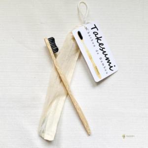 brosse à dents charbon de bambou